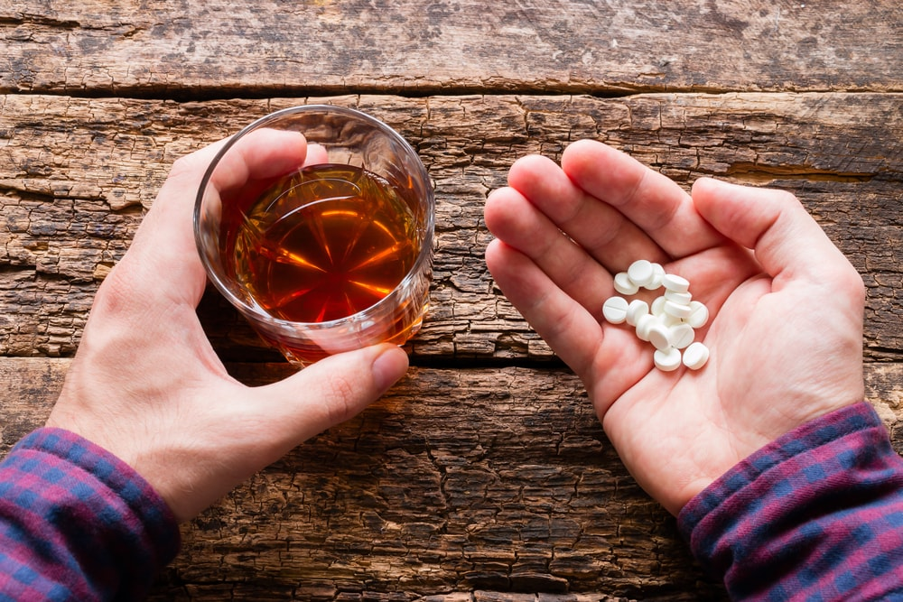Why You Shouldn't Mix Xanax With Alcohol